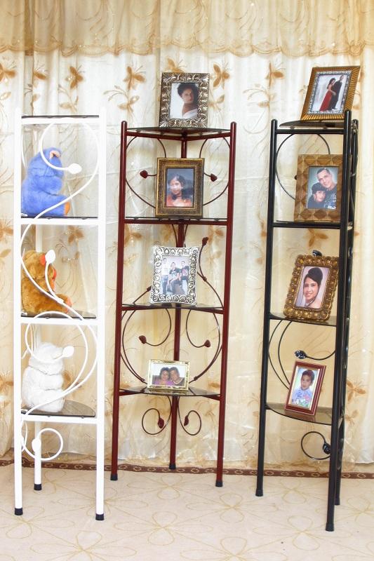 Esquineros lado muebles de acero for Muebles para cristaleria